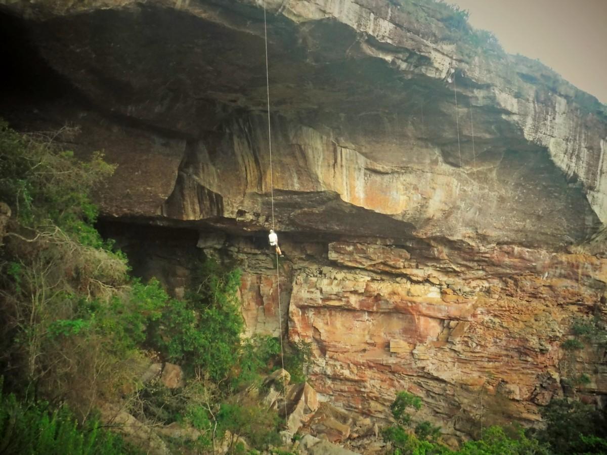 rappel gruta lapao cave