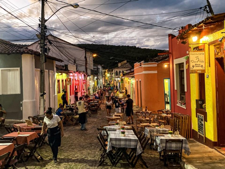 Rua da Baderna com restaurantes, Lençóis, Bahia, Chapada Diamantina (6)